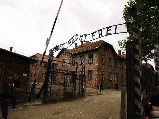 P1010616 アウシュビッツ=ビルケナウ強制収容所見学。負の歴史遺産に思いを巡らす ...