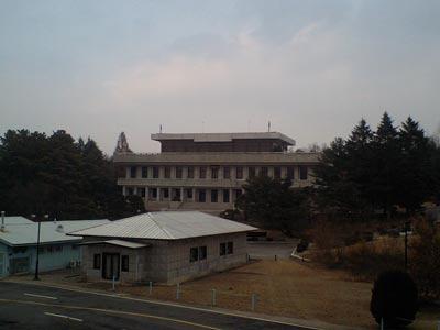 ソウルからDMZ(非武装地帯)へ。北朝鮮に足を踏み入れる