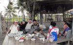 タイの片田舎、カンチャナブリーでアルコール漬けとなる