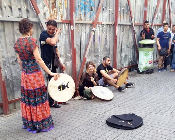 イスタンブールで見た・聴いたストリートパフォーマンス