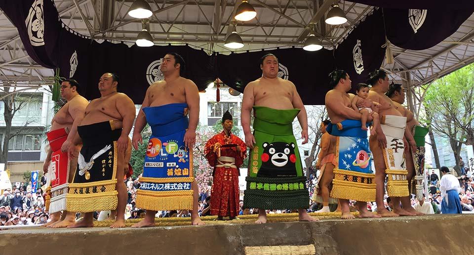 無料で見られる春の花相撲。靖国神社での奉納大相撲を見てきました