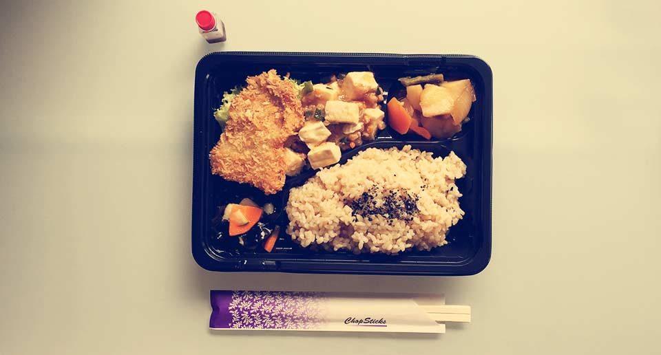 平塚のベジタリアン向けのお弁当屋「マルシェMK」でイートインしてきました