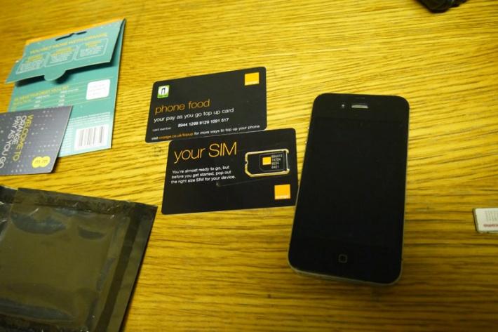 ロンドンでSIMカード購入。SIMフリーのiPhoneに入れて使ってみた