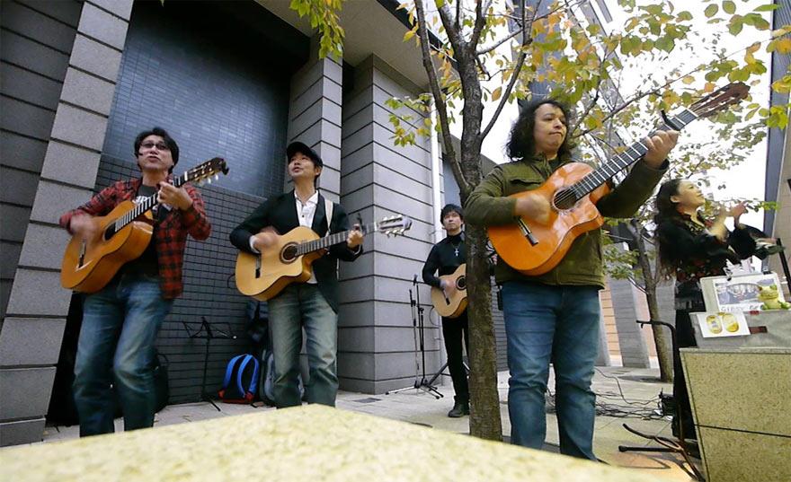 Gipsy Groove ストリートライブ