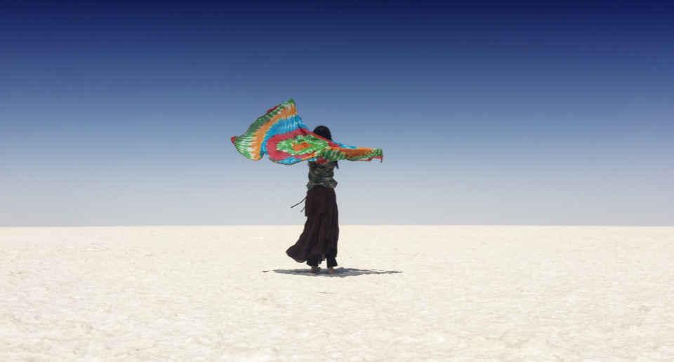 【インド】グジャラート州カッチ地方の塩砂漠→ニローナ村でローガンアート見学