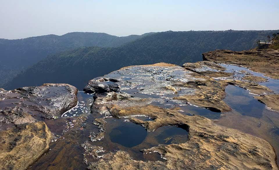 チェラプンジ・エコパークの滝