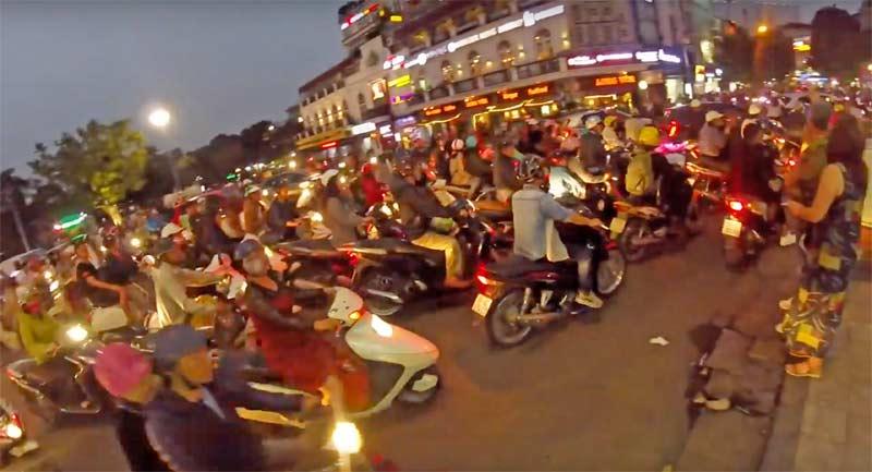 ハノイ バイク 渋滞