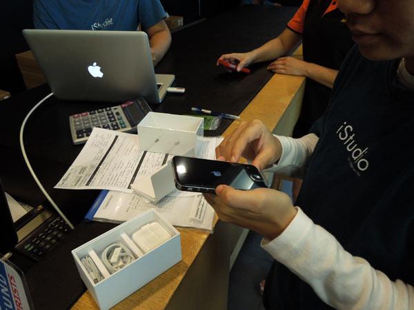 タイのバンコクでSIMフリーのiPhone4Sを買ってみた