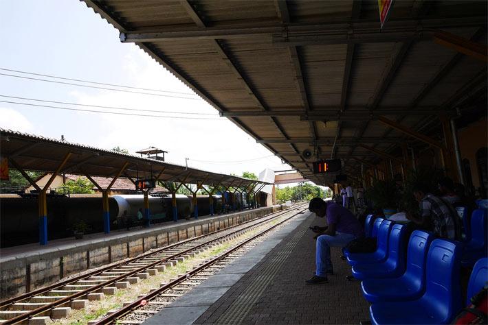 バブニヤからジャフナへの列車