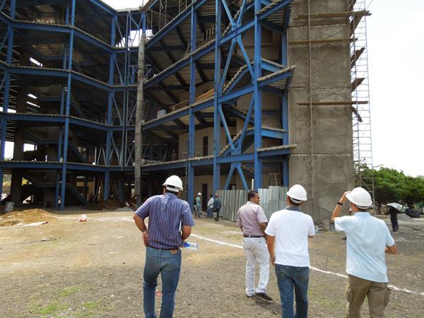 ニカラグア国立工業大学を視察~建築中の新校舎を見学