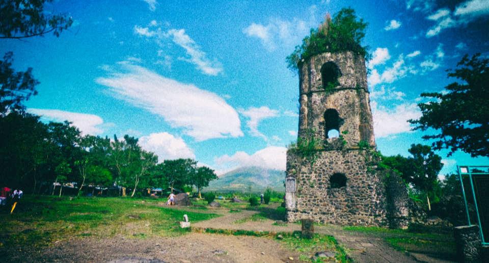【フィリピン】ルソン島南部レガスピへの行き方、マヨン火山が美しいカグサワ遺跡などオススメスポット紹介