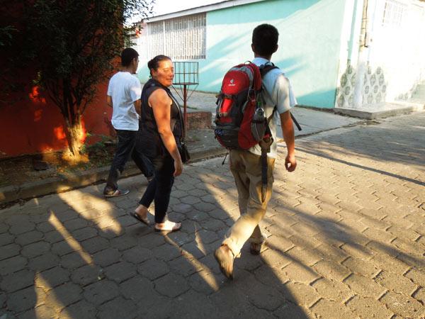 首都マナグアへ。現地の支援団体を訪れる