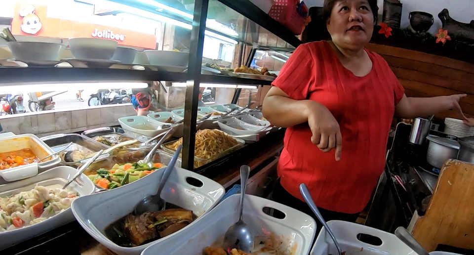 【フィリピンの食事】安い・おかずの種類が豊富・アットホームな大衆食堂「カリンデリア」がおすすめ!