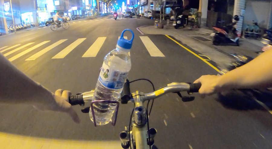 レンタル自転車で屏東の街を滑走
