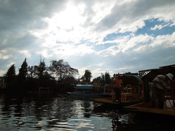 ソチミルコ~ルチャリブレ。メキシコシティーのベタな一日
