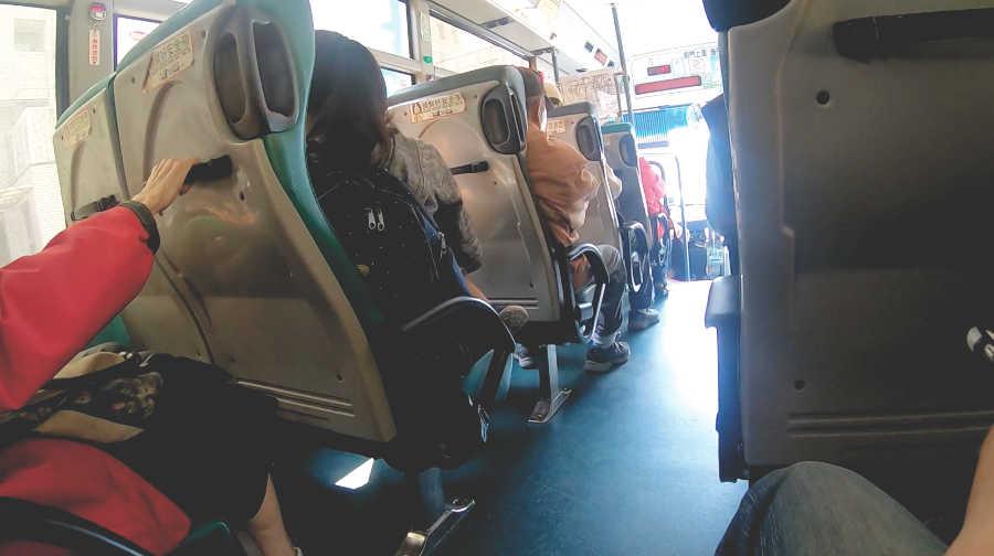 台南のバス車内の様子