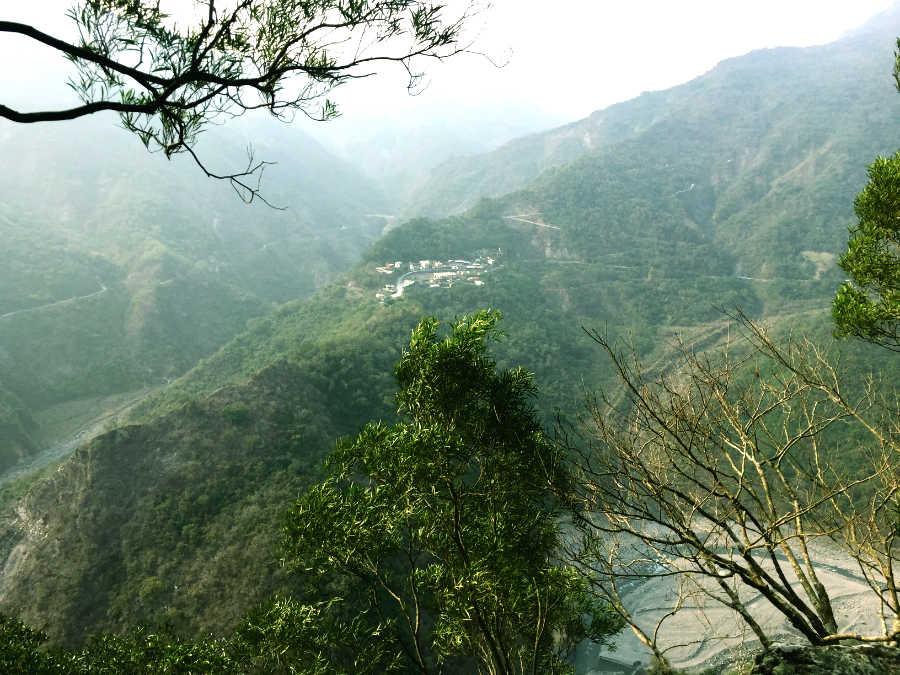 神山の展望台の景色