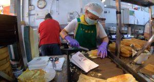 【台湾南部】高雄の行列ができる朝食屋「興隆居」で焼餅と豆乳の朝ごはん