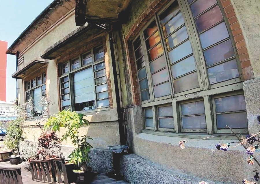 新化街役場の外壁